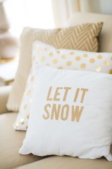 christmas festive room decor inspiration, tumblr, pinterest, artsy photo, blogmas 2015, day 3, cushions, let it snow