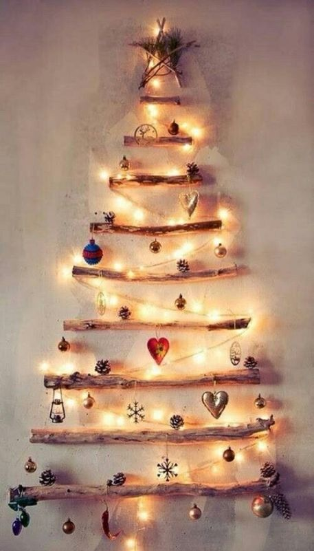 christmas festive room decor inspiration, tumblr, pinterest, artsy photo, blogmas 2015, day 3, ornaments, tree made of fairy lights, wall decoration